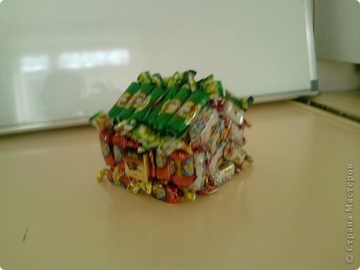 Вот такой вот домик подарила подруге на день рождение. Простенький но очень вкусный. фото 1