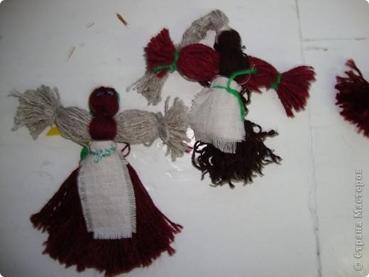 Куклы-моталки из ниток фото 2