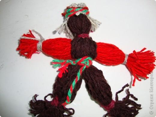 Куклы-моталки из ниток фото 4