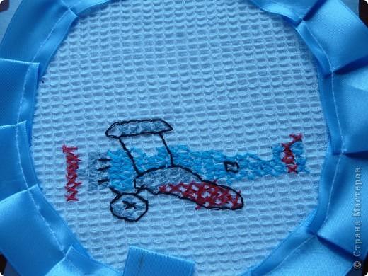 """В детском саду сын посещал кружок по вышивке """"На завалинке"""". Вот его  первая работа... фото 2"""