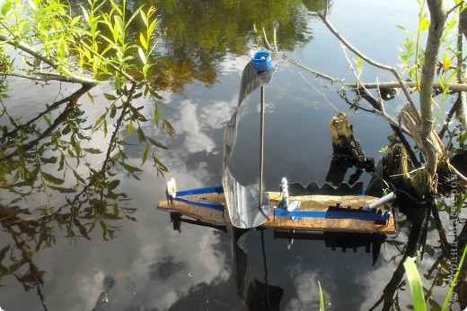 Дело было летом..дочка с племянником захотели попускать кораблики... фото 2