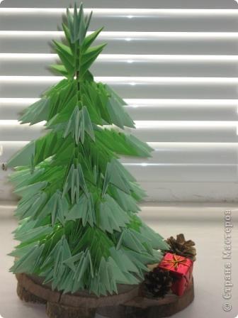 Ёлка,дед мороз и снегурочка(первые поделки оригами) фото 2