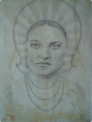 Это портрет Маргариты Григорьевны - лучшей подруги моей бабушки - в возрасте 22-х лет. Она изображена здесь в английском придворном костюме первой половины 16-го века. фото 1
