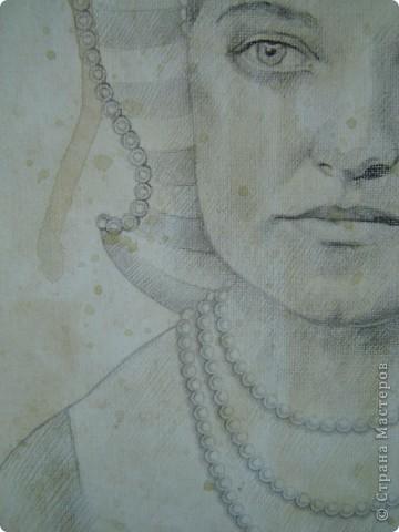 Это портрет Маргариты Григорьевны - лучшей подруги моей бабушки - в возрасте 22-х лет. Она изображена здесь в английском придворном костюме первой половины 16-го века. фото 3