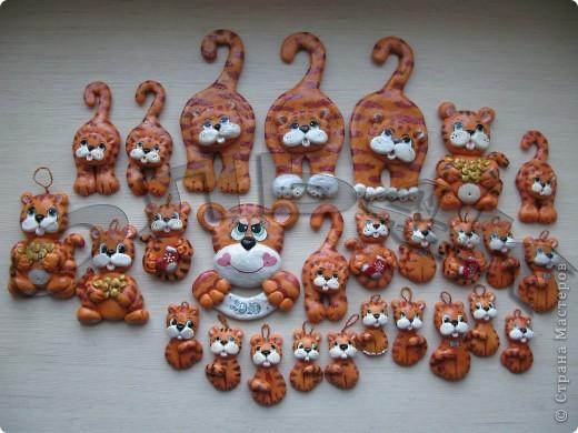 Этих тигров я лепила в прошлом году к новому году на подарки, разукрашивала гуашью и покрывала яхтным лаком. фото 4