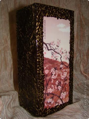 вот такую вазу я решила сделать для своей подруги на день рождение. Ваза из прозрачного стекла, грунтовка, распечатала картинку, по краю картинки приклеила яичную скорлупу, чтобы было не видно края распечатки фото 3