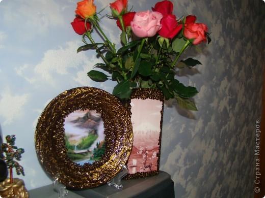 вот такую вазу я решила сделать для своей подруги на день рождение. Ваза из прозрачного стекла, грунтовка, распечатала картинку, по краю картинки приклеила яичную скорлупу, чтобы было не видно края распечатки фото 5