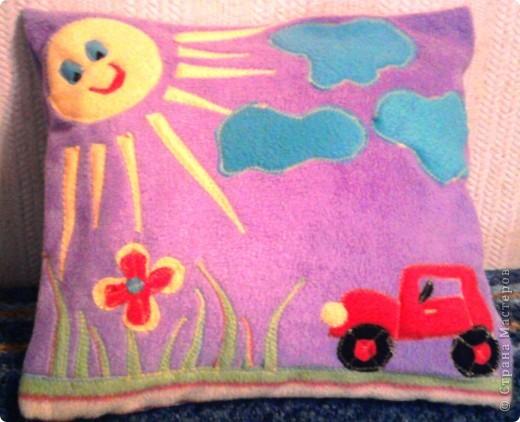 Решила отвлечься от теста и сшить в подарок новорожденному мальчику ещё и подушечку. с фотовспышкой. фото 1