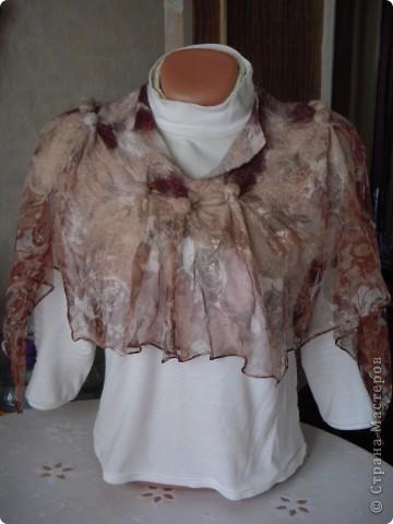 Мой первый опыт приваливания шерсти к шёлку.Очень лёгкая и в тоже время тёплая вещица получилась. фото 1