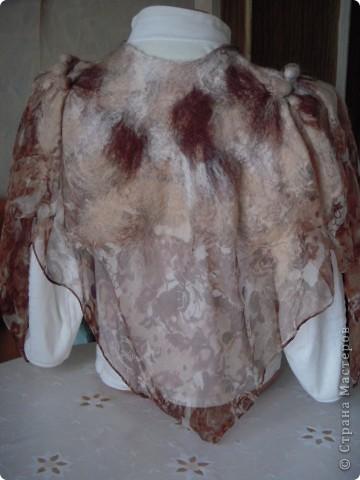Мой первый опыт приваливания шерсти к шёлку.Очень лёгкая и в тоже время тёплая вещица получилась. фото 2