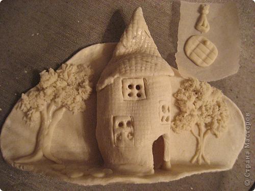 Очень нравятся замки Ольги (olmi). Сделала сегодня из солёного теста. Нет терпения ждать пока доделаю, хвастаюсь =) Критика и комментарии приветствуются =) фото 2