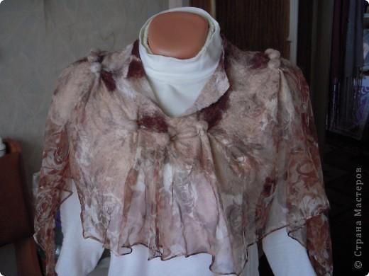 Мой первый опыт приваливания шерсти к шёлку.Очень лёгкая и в тоже время тёплая вещица получилась. фото 5