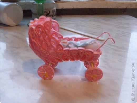 коляска выполненная в квиллинге фото 1