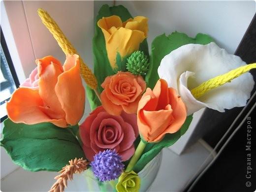 букетик тюльпанов и компания роз фото 1