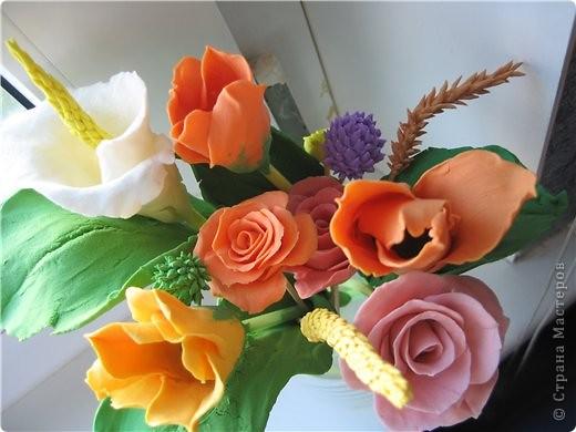букетик тюльпанов и компания роз фото 5