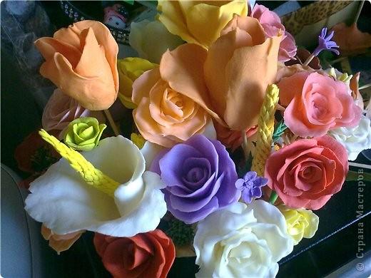 букетик тюльпанов и компания роз фото 6
