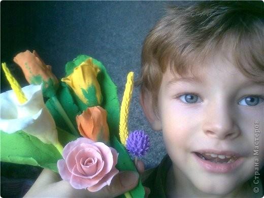 букетик тюльпанов и компания роз фото 7