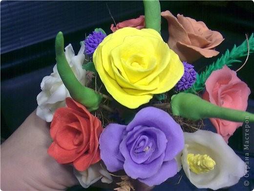 букетик тюльпанов и компания роз фото 8