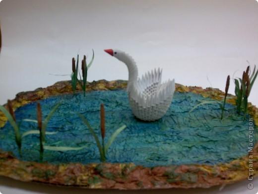 """""""Белый лебедь на пруду"""" (Оригами из треугольных модулей и бумажные полотенца)"""