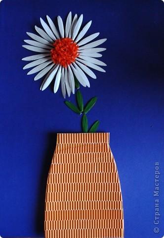 красный цветок из семян ясеня фото 2