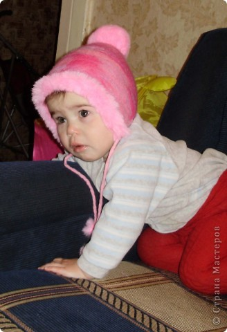 Зимняя шапочка для дочи, выполненная в технике мокрого валяния фото 3
