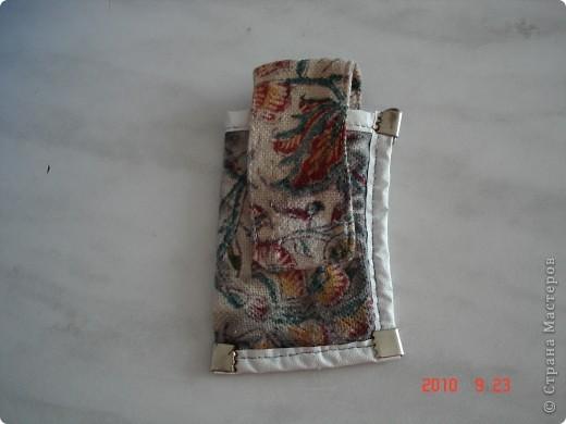 История этой сумки такова. Я не смогла смотреть на то как привезенная вещь из Ирана, пылиться у родителей. Рисунок на ткань нанесен в ручную способом штамповки (это национальное ремесло Ирана). И я в нее вдохнула вторую жизнь. Сшила сумку и расшила бисером. фото 4