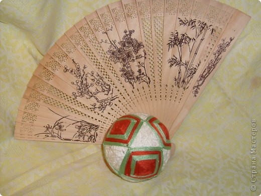 Мой первый шарик - ТЕМАРИ Темари - это необычное слово широко известно во всем мире любителям рукоделия. Так называются традиционные японские вышитые шары