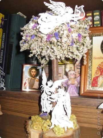 Скопировала, вырезала и разместила на декоративном дереве. фото 2