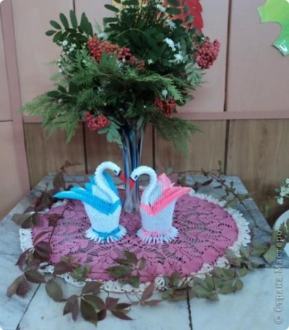 Лебедь выполнен специально к дню учителя фото 2