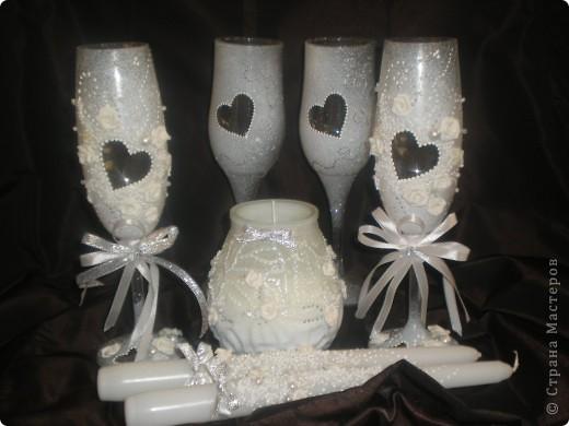 Принесли мне вот такую свечу,сказали,что это будет домашний очаг...долго я думала как украсить....бочонок бочонком...ну и вот так получилось фото 2