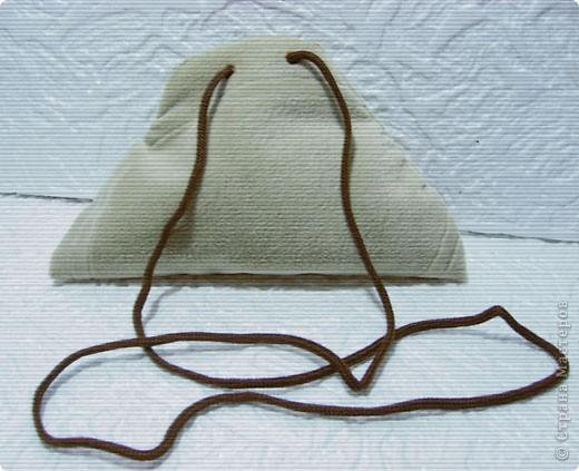 Эти простые и незатейливые сумочки из обрезков  мебельного флока выполняются очень быстро. фото 9