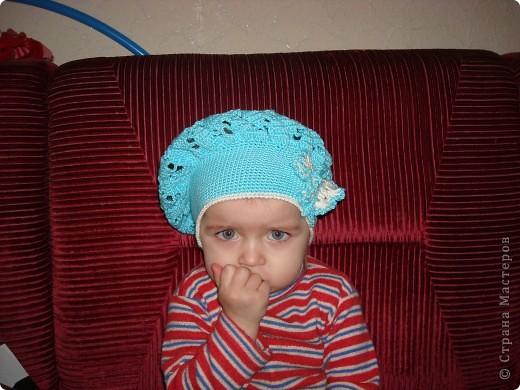 Люблю вязать крючком своим девочкам шапочки фото 1