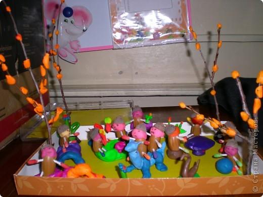Человечек из жёлудя,ватных палочек и массы для лепки. фото 2