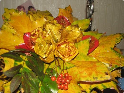 это мы сделали розы, и посыпали их блёсточками, очень даже красиво получилось)))_ фото 2