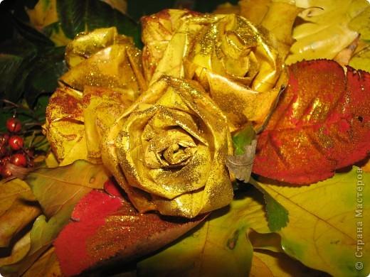 это мы сделали розы, и посыпали их блёсточками, очень даже красиво получилось)))_ фото 5