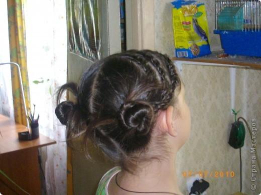 Причёска с двумя пучками. фото 3
