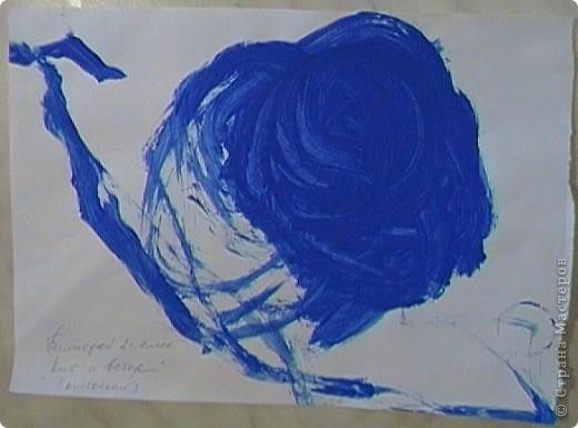 Хотела вам показать, какие мы с сыночком делали картинки на основе самоклеящейся бумаги (для мебели) и посыпки для торта с помощью трафаретов. фото 11