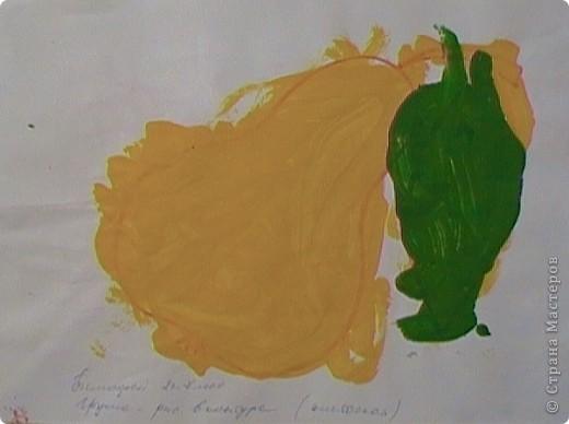 Хотела вам показать, какие мы с сыночком делали картинки на основе самоклеящейся бумаги (для мебели) и посыпки для торта с помощью трафаретов. фото 9