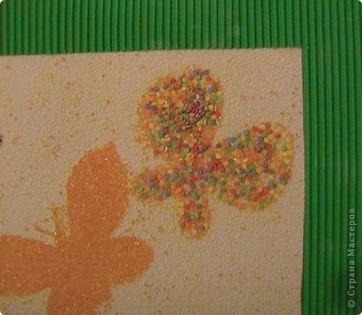 Хотела вам показать, какие мы с сыночком делали картинки на основе самоклеящейся бумаги (для мебели) и посыпки для торта с помощью трафаретов. фото 2