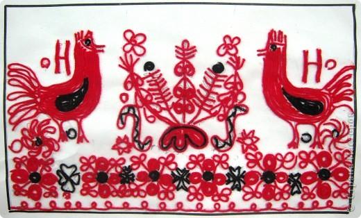 По программе Б.М.Неменского в 7 классе (а кто-то дает в пятом) есть задание: импровизация на тему древних образов в узорах вышивок на полотенце. Это задание мы не рисуем, а выклеиваем нитками по рисунку. Вот что получилось: фото 1