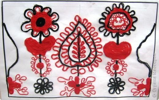 По программе Б.М.Неменского в 7 классе (а кто-то дает в пятом) есть задание: импровизация на тему древних образов в узорах вышивок на полотенце. Это задание мы не рисуем, а выклеиваем нитками по рисунку. Вот что получилось: фото 5
