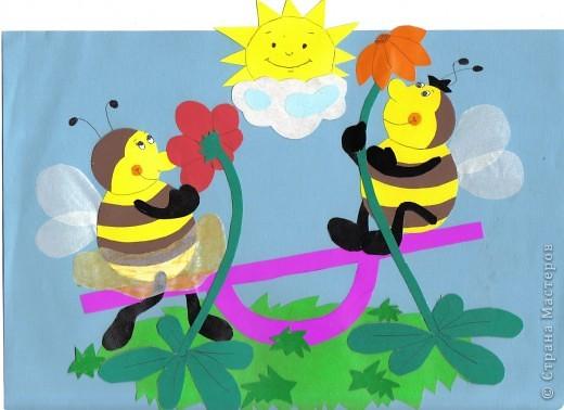 пчелки на качелях