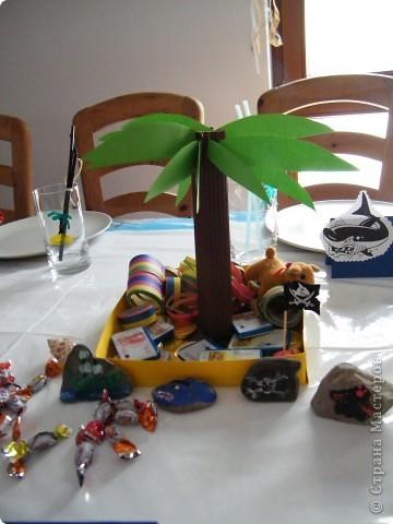 День рождения любимого пирата - декор, газета, стол и мы))) фото 16