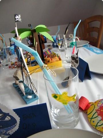 День рождения любимого пирата - декор, газета, стол и мы))) фото 19