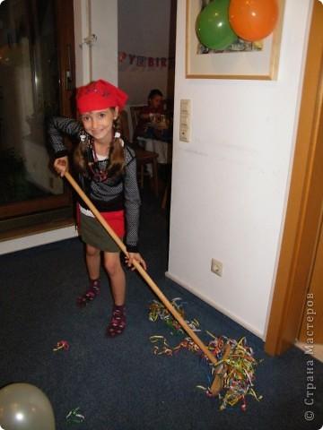 День рождения любимого пирата - декор, газета, стол и мы))) фото 37