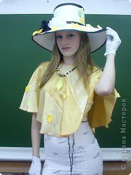 Вчера, в последний день четверти в нашей школе проводился Осенний бал. Мой 8а класс представлял модель березки. фото 2