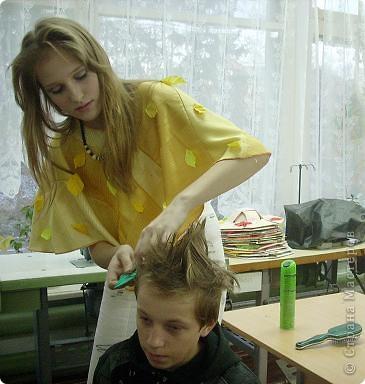 Вчера, в последний день четверти в нашей школе проводился Осенний бал. Мой 8а класс представлял модель березки. фото 6