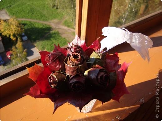 розы из кленовых листьев фото 2