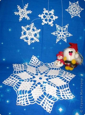 У меня уже рождественская лихорадка, взялась за ангелочков и снежинки. фото 1
