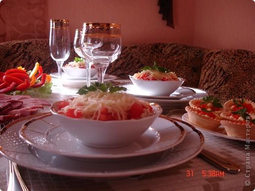 Закуска с красной икрой и новый салат для мужчин фото 4